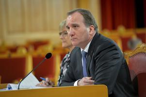 Statsminister Stefan Löfven (S) har all anledning att se bekymrad ut.