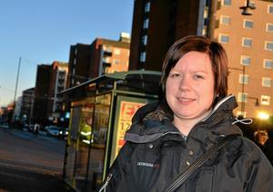 Förskolläraren Sandra Olsson är glutenallergiker. Hon tycker inte att kommunen borde göra någon skillnad på elever och personal när det kommer till specialkost.BILD: SAMUEL BORG