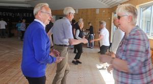 Dansarna kom från många orter för att svettas på parketten i Bergvik. Som Birger Bergnman från Timrå och Britt Herrgård, Sundsvall.