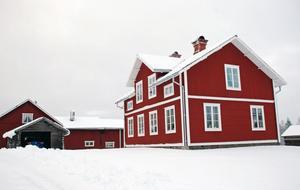 Svenskgården i Solberga, ett stort omfattande byggnadsvårdsprojekt som Rättviks kommun drev tillsammans med Länsstyrelsen Dalarna under flera år. Det blev långt och dyrt, med ovärderligt informations, kunskaps och PR mässigt anser Samhällsbyggnadsförvaltningens tillförordnade chef Leif Kratz.