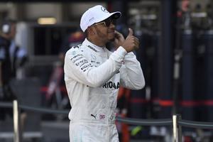 Lewis Hamilton är världsmästare – för fjärde gången. Därmed är britten trea i formel 1-historien, bakom Michael Schumacher och Juan Manuel Fangio.