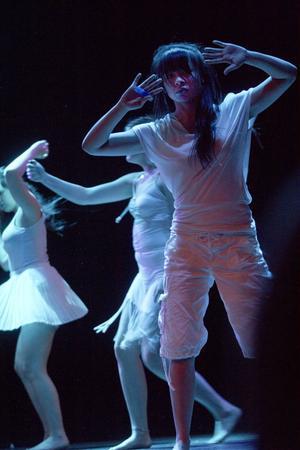 Paula Schönning medverkade i ett dansnummer där känslan var det centrala.