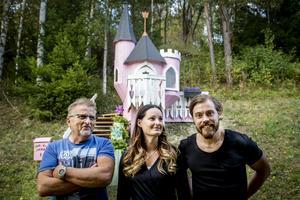 Mats Brolin , Camilla Brolin och Marcus Ström har byggt ett fantasifullt sagoslott.