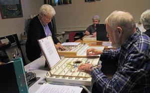 Cittragruppen Söta Citroner leds av Ingert Jernberg. De har en stor repertoar. Foto: Eva Högkvist