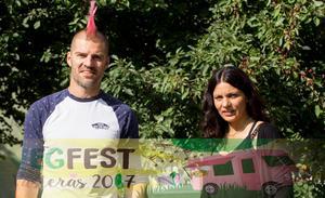 Vegfest Västerås Daniel Marklund, bokningsansvarig, och Ingrid Wisell, ordförande.