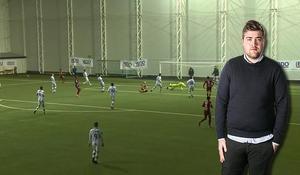 Sportens krönikör Fredrik Sjölund uppmanar unga fotbollstjejer och killar i länet att inte ge upp drömmen om en fotbollskarriär.