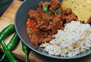 Chili con carne på välkokt högrev med handfast kryddning är en perfekt söndagsmiddag.