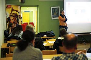Meeri Brandum från Leader Storsjöbygden pratade på uppstartsmötet om Brunflos framtid.