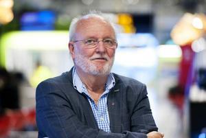 Lars Ivarsson, ordförande i arbetsgivarutskottet, säger att kommunen valde att gå på avsked.