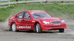 Philip Söder har köpt en Mercedes med 2,4-liters motor och kör rallycross för Västerås MS. Blev femma i första SM-starten.