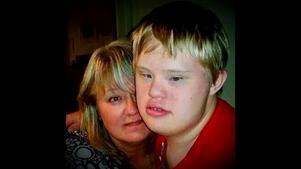 Anna Axberg och sonen Joel, 21.