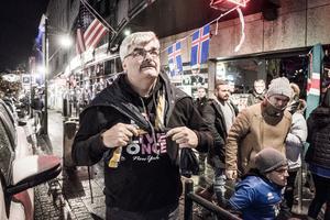 Håkan Juholt, Sveriges ambassadör på Island, hamnar ibland i blåsväder.