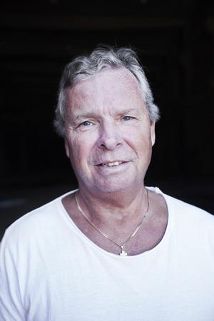 Anders Byqvist, ordförande i arbetslivsnämnden, vill kraftsamla för att integrera de flyktingar som kommit till kommunen.