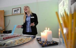 TROVÄRDIGHET. Kunskap ger trygghet men förmedlar också något gediget.Josefine Hjalmarsson har själv besökt Jämtland många gånger och kunde under Pihlskolans turistmässa på ett övertygande sätt berätta om landskapets olika turistattraktioner.