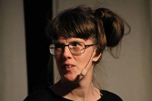Sara Olaussons nya antologi om mens har sålt rekordmycket.