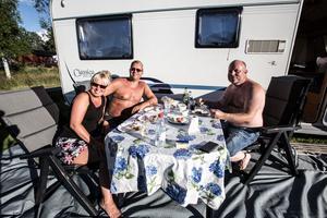 Vi träffade camparna Karin och Pelle Skoglund från Hudiksvall och Leo Olsson från Bollnäs.