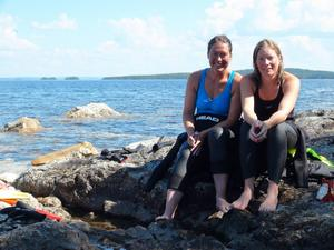 Christine Hägglund och Mari Rutgersson har i nästa en vecka simmat från Åre till slutmålet i Östersund.