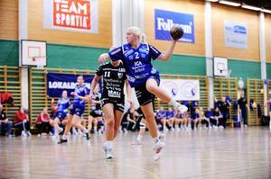 Ljusnetjejen Ida Skoglund trivs bra i Bollnäs. Både på skolan och i handbollslaget Arbrå HK som spelar i division 1.