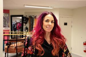 Teresa Fyhr på Myrorna säger att Gävleborna vill ha en röd, svulstigt traditionell jul.
