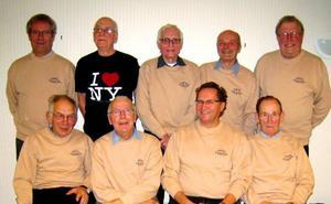 Från vänster: Lars Jonsson, Sven Ågren, Haldor Westman, Ingvar Bergdahl och Ingemar Ingvarsson. Sittande från vänster: Ove Hansson, presidenten Åke Myrberg, Gustav Jonsson och Gustav Svensson.