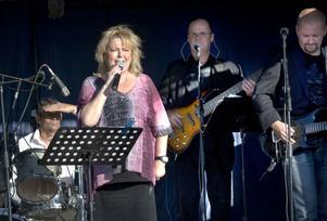 Kikki Danielsson sjöng inte bara ur allsångshäftet utan bjöd även på lite country och någon gammal rockklassiker.