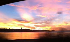 Den här bilden tog jag i morse (9/11) på Vallaleden. Otroligt vackra mönster o färger.