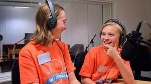 Alvin Palm och Frida Söderhjelm från Hammarbyskolan. Foto: Eva Kleppe/Sveriges Radio