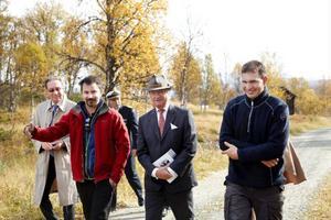 När kungen kom till Hosjöbotten kom också ett efterlängtat besked till byn – nu får Hosjöbotten elström. Daniel Persson (till höger) är lättad över beskedet.