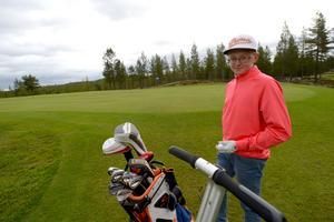 Rasmus Lia, Idre GK segrande i Handigolf Tour 2016, golfturneringen för spelare med olika handikapp. Rasmus som skadade rygg och höft i en skidolycka för tre år sedan.