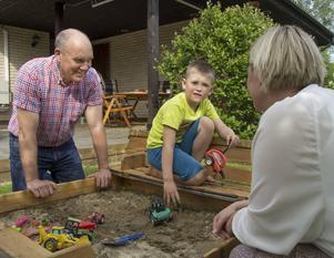 Roland och Kristin ser fram emot att få mer tid tillsammans med sonen Zeb.