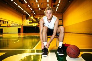 10. Tobias Borg, 22 år (7), basket. Det blir inte jättemycket speltid för Tobias Borg i Bilbao. Men bara det faktum att den unge före detta Kingsguarden spelar för ett topplag i världens näst bästa basketliga gör att vi rankar honom högt på listan.