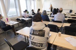 Många sår i kö till NVU:s svenskundervisning, främst i Fagersta. Bilden är från SFI-klass på annan ort.