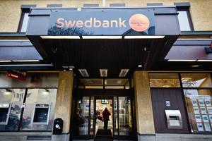 Bankkontoret på Kungsgatan har nu en ny ägare, men Swedbank kommer att ta emot sina kunder där även i framtiden.
