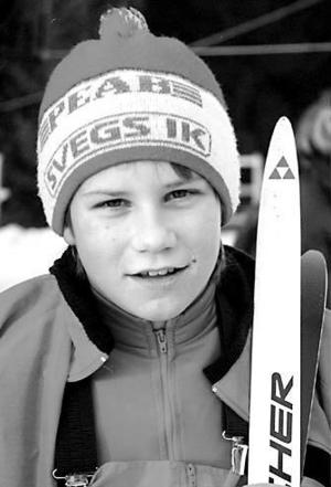 Ida Ingemarsdotter, nio år, på tävling i Sveg. Hon och hennes familj utnyttjade bytardagar och begagnade saker för att hålla nere kostnaderna.