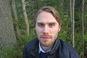 Kalle Björklund vistas gärna i skogen, det är så han minns sin pappa allra mest. Som en hårt arbetande man med hjärtat för naturen.