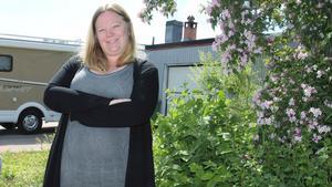 Alexandra Moberg och sambon Andreas Moberg köpte hus nyligen och var snabba med att ansöka om att haka på det öppna fibernätet.