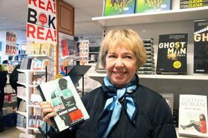 Agneta Aweson, 70 år, Östersund, har en lång lista med sig full av böcker som hon och maken vill köpa.