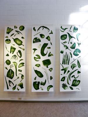 Figuration - grön, triptyktryck från etsad, formsågad kopparplåt av Minako Masui.