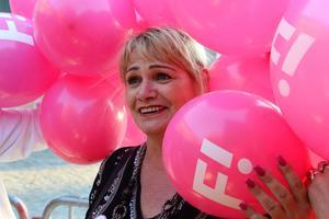Soraya Post, toppkandidat för Feministiskt Initiativ, vid partiets EU-valvaka i 'Skyddsrummet' på Södermälarstrand i Stockholm på söndagen. Foto Maja Suslin / TT