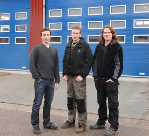 Markus Mörk, Tomas Kolmodin och Daniel Eriksson – bröderna Samson – i den verkstadsbyggnad som snart står klar.