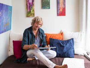 I dagbädden vid fönstret i Ateljén brukar Anette Vester alltid sitta och rita på någonting.