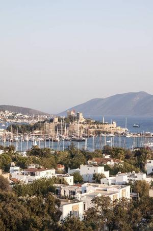Bodrum med sin borg i mitten av staden.