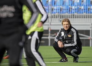 Tony Gustavsson tränar ekonomiskt ansträngda Tyresö. Nu tippas han ta över USA:s damlandslag.
