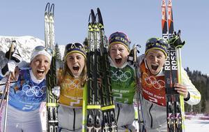 OS-guldvinnarna Charlotte Kalla, Anna Haag, Emma Wikén och Ida Ingemarsdotter bör nu också få bragdguldet.