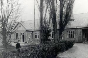 Tidningshuset på Fredsgatan byggdes 1912. Tidigare fanns redaktionen på Kyrkogatan där Mur och kaminkultur numera håller till. På bilden skymtas Axel Lidman.