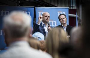 På söndag är det EU-val, vilket märktes under onsdagen när flera politiker kom till Östersund. Två av dem var statsministern och finansministern.