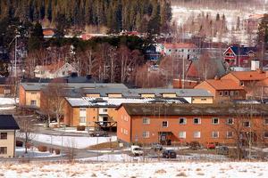 Underhållet i det kommunala Bergs hyreshus är inte tillräckligt. Bolaget får kritik i färsk rapport.