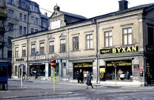 1964. Järntorget. Här finnsi dag Apoteket och Rosalis.