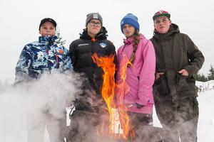 """De blev """"Skogens mästare"""": från vänster Axel Hammar, Sofia Jonsson, Alba Johansson och Pär Hammar."""