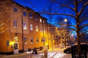 Värmestugan ska flytta sin verksamhet från Pingstkyrkans lokaler och in i en ny lokal men först om ett par månader.